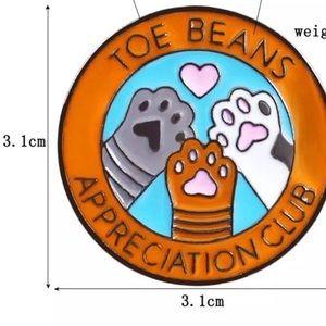 Coming soon! Rare toe beans  Pin  | Brooch 💜